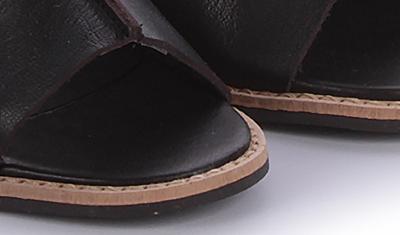 sandalia decote v preto 5