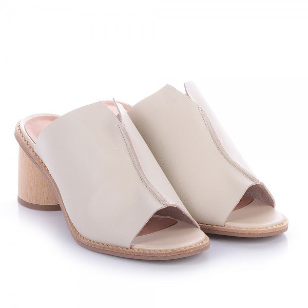 sandalia decote v off white 2