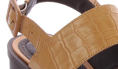 sandalia texturizada mostarda 4