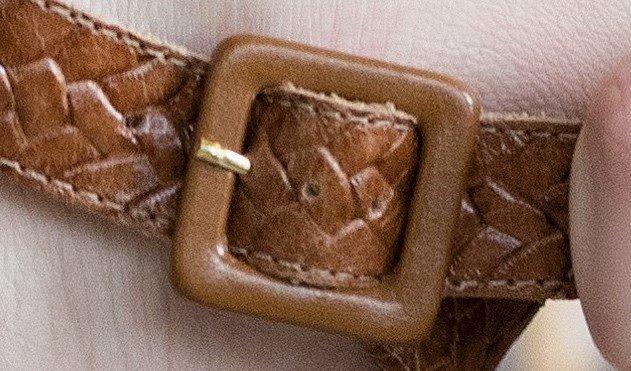 sandalia texturizada whisky 4