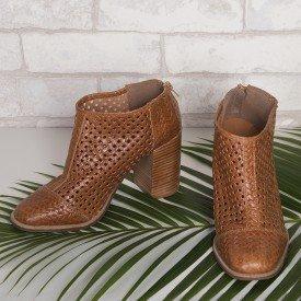bota quadriculada caramelo 1