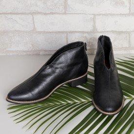 bota decote v preto