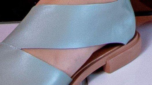 sapatilha assimetrica azul 2