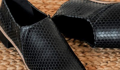sapato escama preto 2
