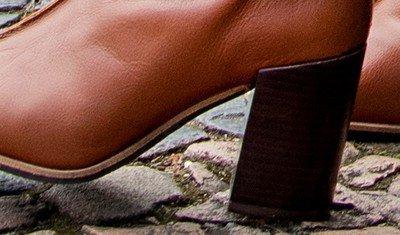 bota costura caramelo 1